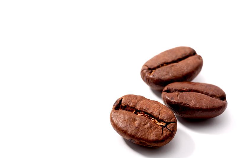 Коричневый цвет - какао-порошок, корица, кофе, тертый шоколад, заварка черн